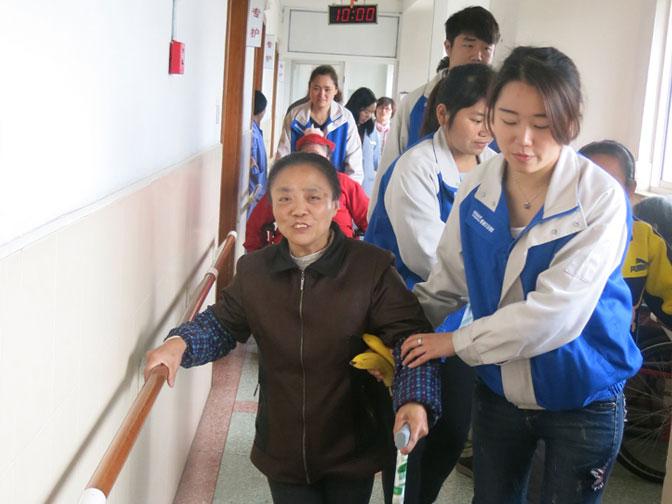 Сотрудники DENAIR посетили учреждение социального обеспечения №4 города Шанхая